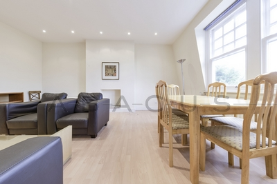 Similar Property: Apartment in South Hampstead