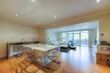 Similar Property: Apartment in Swiss Cottage