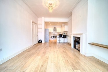 Similar Property: Apartment in Childs Hill