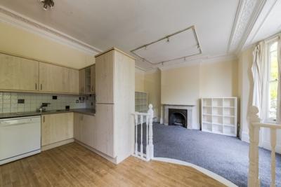 Similar Property: Flat in Hampstead