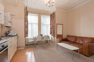 Similar Property: Studio in West Hampstead