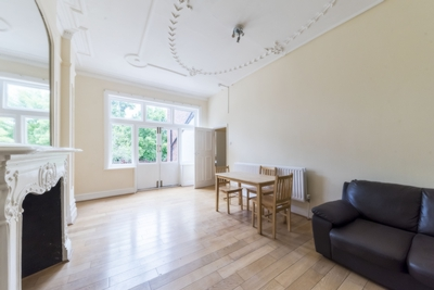 Similar Property: Flat in Kilburn