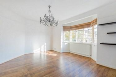 Similar Property: Flat in Hampstead Garden Suburb