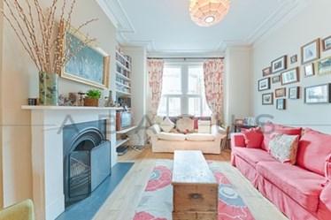 Similar Property: House in Kilburn