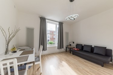 Similar Property: Flat in South Hampstead
