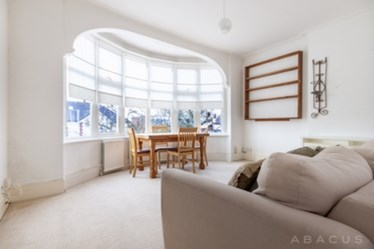 Similar Property: Flat in Finchley Central