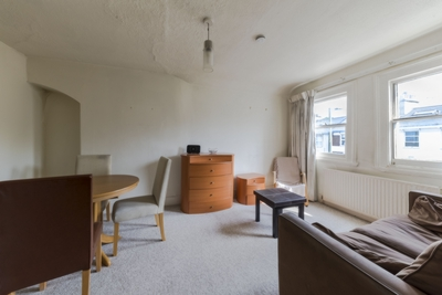 Similar Property: Flat in Childs Hill