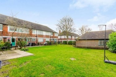 Similar Property: Flat in East Finchley
