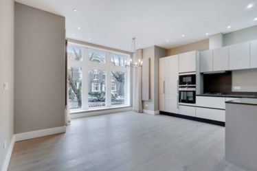 Similar Property: Apartment in Hampstead