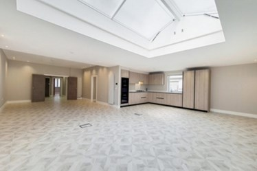 Similar Property: Flat in Golders Green