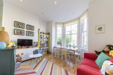 Similar Property: Apartment in Queens Park