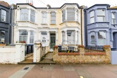 Similar Property: House in Kensal Green
