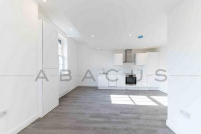 Similar Property: Flat in Borehamwood