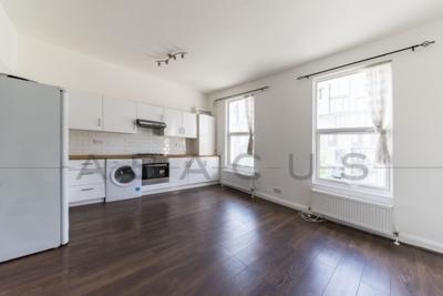 Similar Property: Flat in Kilburn