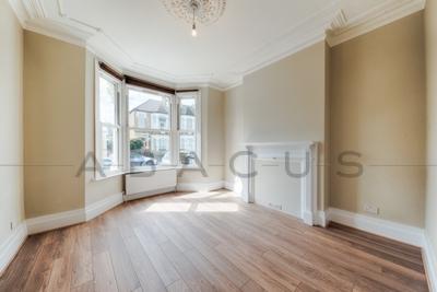 Similar Property: Flat in Kensal Green