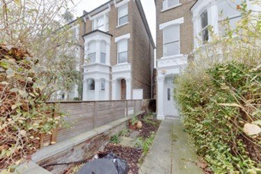Similar Property: Flat in Ladbroke Grove