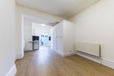 Similar Property: Flat in Cricklewood