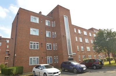 Neckinger Estate Bermondsey SE16