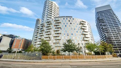 Dominion Walk Canary Wharf E14