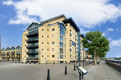 Burrells Wharf Square Canary Wharf E14
