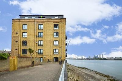 Storers Quay Canary Wharf E14