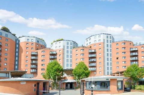 Arnhem Place Canary Wharf E14
