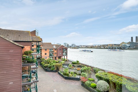 Property photo: Saunders Ness Road, Isle of Dogs, E14