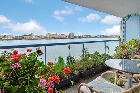 Property photo: Arnhem Place, Canary Wharf, E14
