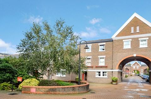 Lockesfield Place Canary Wharf E14