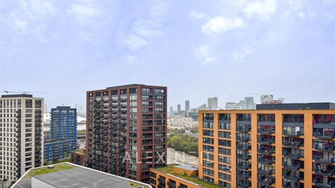 Lookout Lane Canary Wharf E14