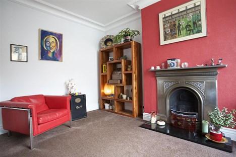 lounge alternate angle