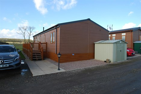 rear aspect parking & shed