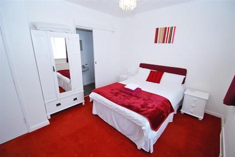 Bedroom 10 (Double Room)