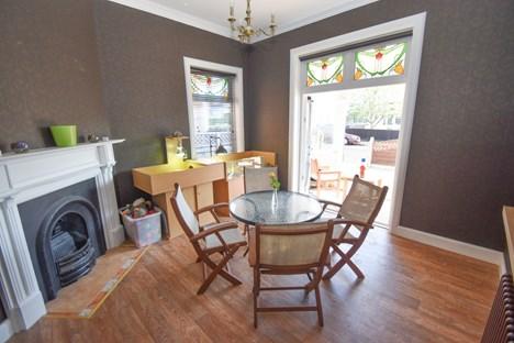 dining room/snug