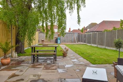 patio/rear garden