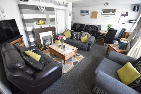 Guest Lounge/Bar