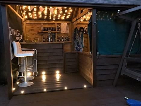 bar/seating area