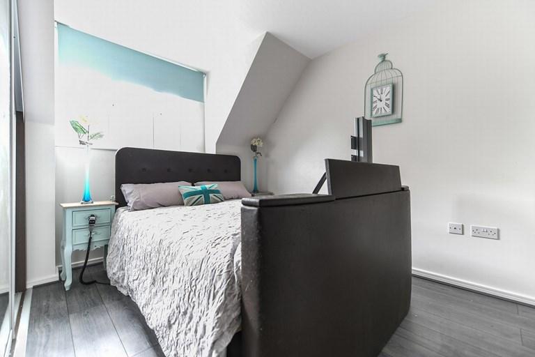 Lodt Room