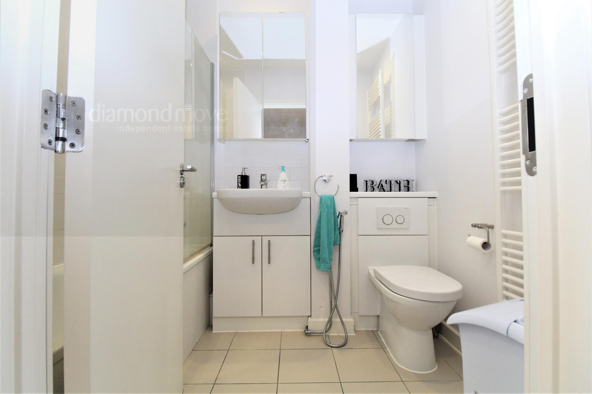3rd Floor Bath/Wc