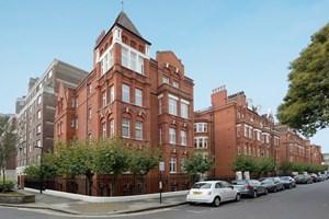 Similar Property: Apartment in Ravenscourt Park