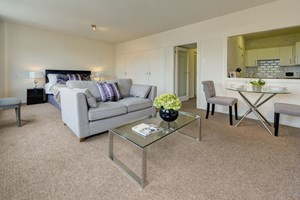 Similar Property: Apartment in St James Park
