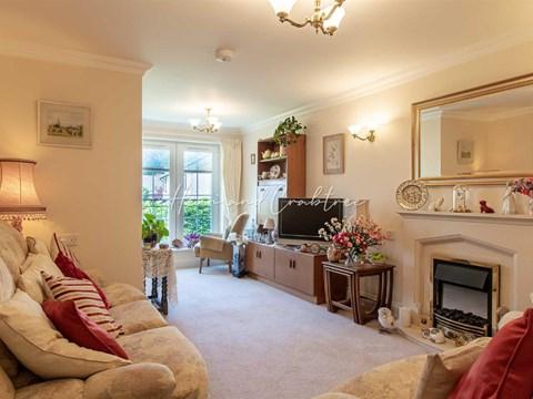 Property photo: Cwrt Pegasus, Cardiff Road, Cardiff CF5 2AW