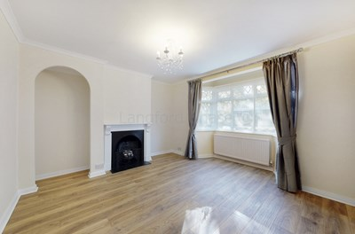 Property photo: Friern Barnet, London, N11