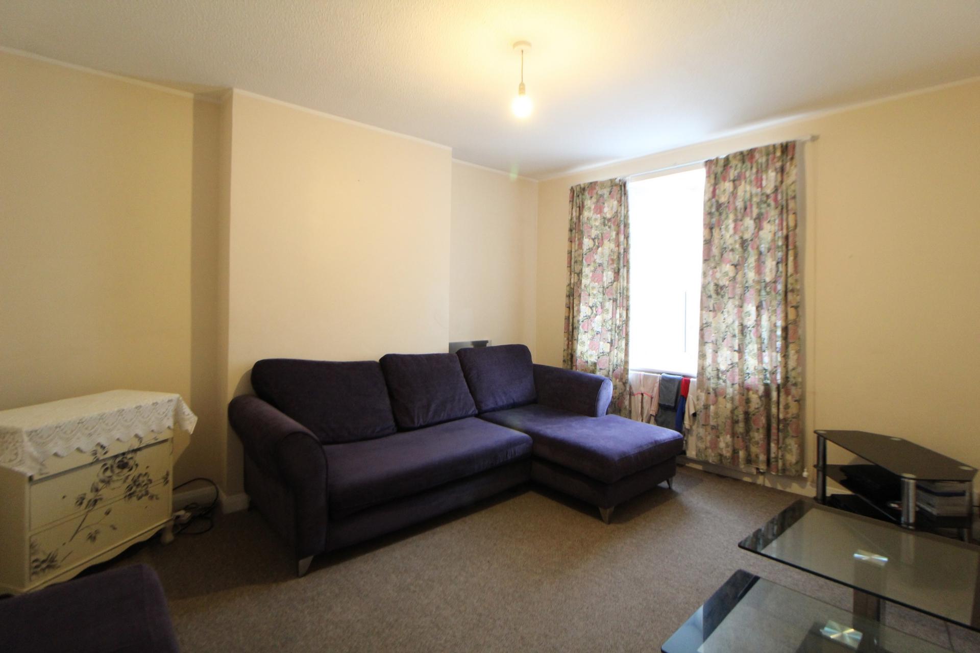 Property For Sale Luton Road Chatham Me4 3 Bedroom Conversion Through Linda Matthews