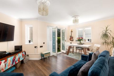 Property photo: Shalbourne Square, E9