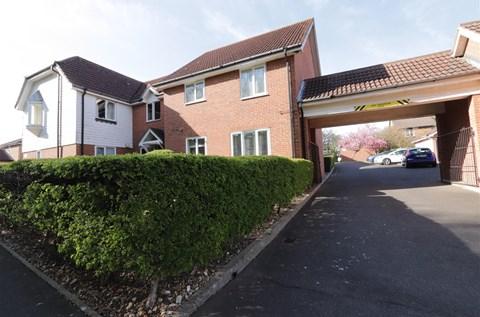 Wendover Gardens Hutton Brentwood CM13