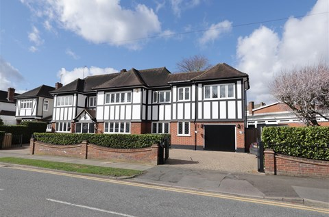 Friars Avenue Old Shenfield Brentwood CM15
