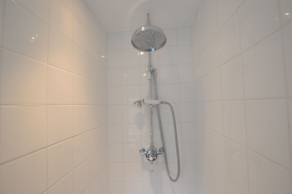 Shower Room cont