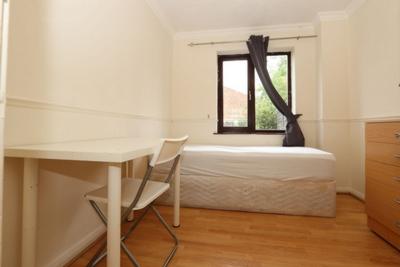 Similar Property: Single Room in West Ham
