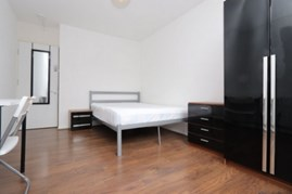 Similar Property: Double room - Single use in Island Gardens